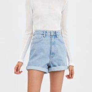 ZARA mom Rolled Jean shorts *NEVER WORN*